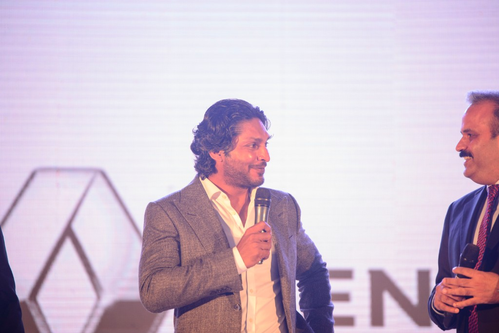KUMAR SANGAKKARA SIGNED AS BRAND AMBASSADOR FOR RENAULT