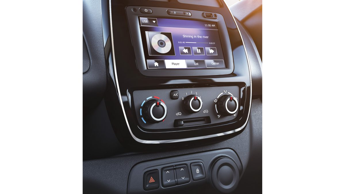 Kwid media nav shot usb aux