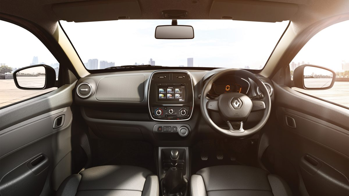 Kwid front dashboard shot